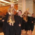 Puppet dancers